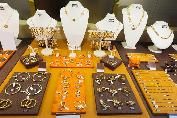Offline jewelry shops